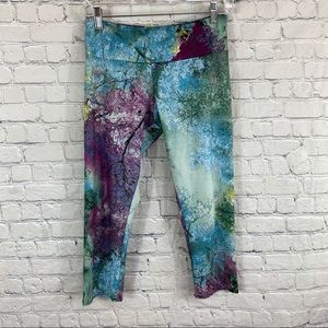 Onzie Print Cropped Capri Legging